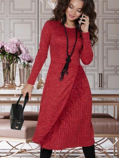 Красное теплое платье плиссе с пером страуса, фото 1