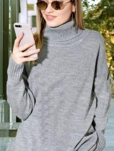 Короткое теплое серое свитер-платье на длинный рукав