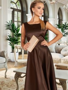 Длинное вечернее атласное платье шоколадного цвета с открытой спиной