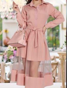 Розовое платье на пуговицах ниже колен