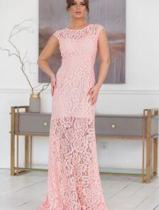 Нежно-розовое нарядное кружевное платье футляр в пол