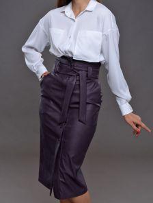 Женская кожаная юбка длины миди с карманами и поясом
