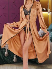 Приталенный халат золотого цвета без запаха