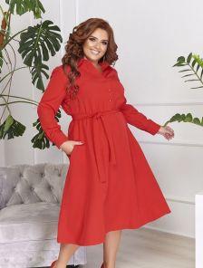 Красное платье на пуговицах