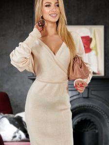 Вязанное платье с рукавом светло бежевого цвета