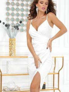 Облегающее белое вечернее платье