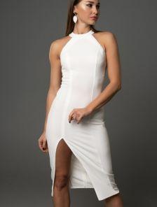 Молочное платье с открытой спиной и разрезом на ноге