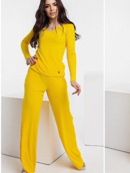 Стильный спортивный костюм жёлтого цвета для женщин, фото 1