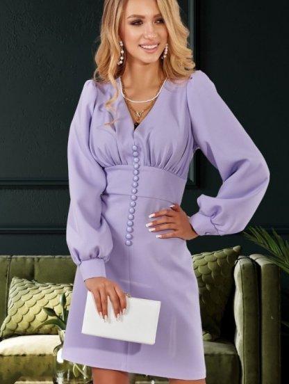 Сиреневое короткое платье с красивым декольте, фото 1