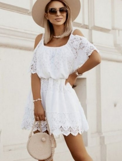 Белое короткое летнее хлопковое платье свободного кроя с кружевом, фото 1