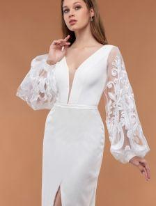 Белое нарядное вечернее платье с объемными кружевными рукавами