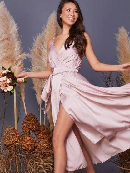 Пудровое легкое платье миди на бретелях, фото 1