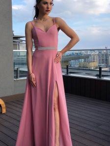 Легкое голубое вечернее платье на тонких бретелях