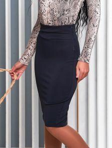 Офисная юбка карандаш в синем цвете длины миди