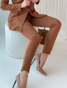 Коричневые зауженные брюки