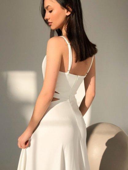 Белое вечернее длинное платье с разрезом на тонких бретелях, фото 1