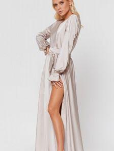 Вечернее светло-золотое нарядное длинное платье с красивым рукавом