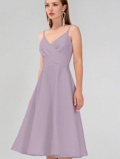 Бежевое нарядное платье миди на тонких бретелях с верхом на запах, фото 1