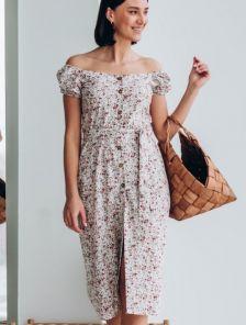 Короткое платье-сарафан на широких бретелях