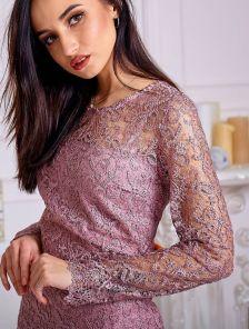 Эффектное праздничное короткое фрезовое платье футляр
