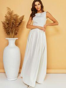 Белое нарядное длинное платье с блеском и стразами на поясе