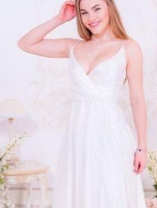 Длинное белое мерцающее платье на роспись
