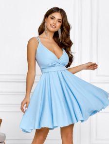 Летнее голубое короткое платье-сарафан с пояском на бретельках