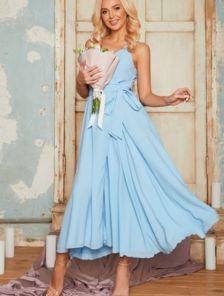 Голубое легкое платье миди длины на бретелях