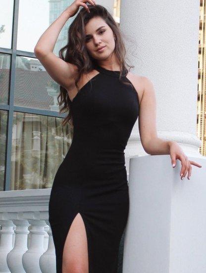 Черное платье с открытой спиной и разрезом на ноге, фото 1