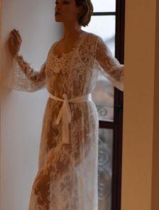 Белый кружевной нарядный длинный халат
