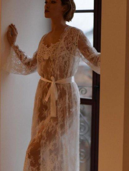 Белый кружевной нарядный длинный халат, фото 1