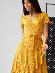 Желтое платье на запах с коротким рукавом