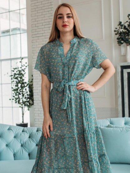 Легкое летнее короткое шифоновое платье с оборками, с коротким рукавом, воротником-стоечкой, фото 1