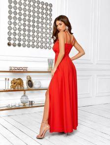 Летнее красное платье с пояском на бретельках