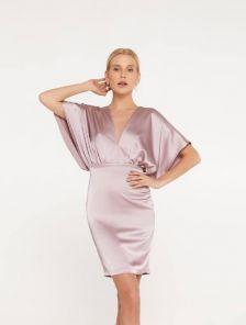 Летнее сатиновое платье-футляр с коротким рукавом
