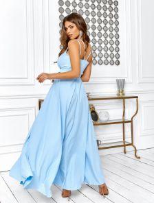 Летнее голубое платье с пояском на бретельках