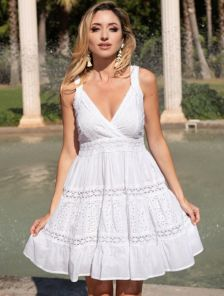 Летнее хлопковое белое платье с цветочным кружевом