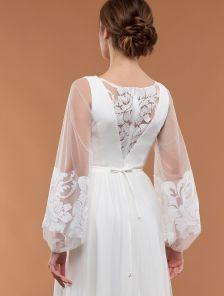 Белое вечернее платье с воздушными рукавами и пышной фатиновой юбкой
