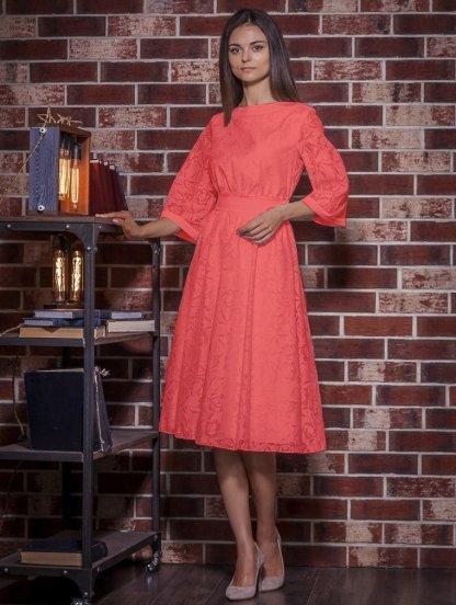 Красное нарядное платье миди с красивыми узорами, фото 1