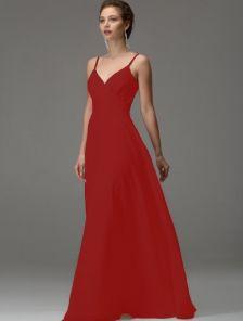 Красное длинное вечернее платье на бретелях с вырезом на спине