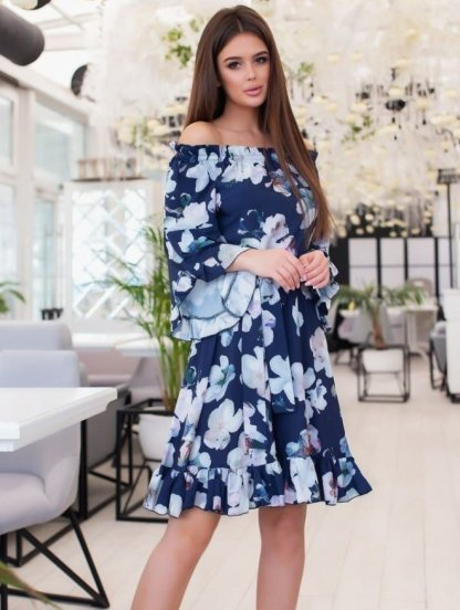 Короткое летнее платье с открытими плечами, фото 1