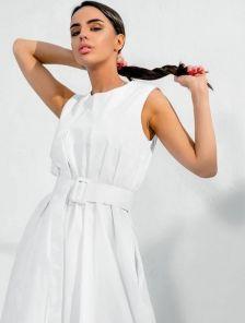 Короткое хлопковое светлое свободное платье-трапеция