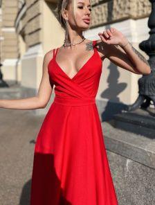 Летнее красное платье с пояском на тонких бретельках