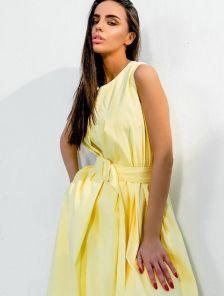 Короткое хлопковое светлое свободное платье-трапеция на подкладе с поясом