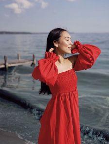Летнее льняное платье-миди с рукавом-