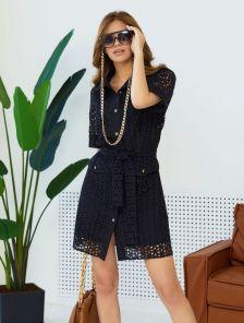 Короткое хлопковое платье-рубашка из прошвы, с карманами