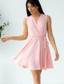 Розовое короткое платье на лето