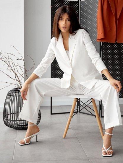 Современный женский белый брючный костюм-тройка, фото 1