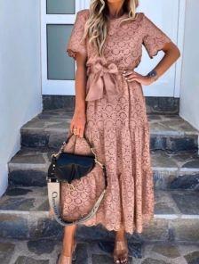 Летнее хлопковое платье в цветочный узор и коротким рукавом