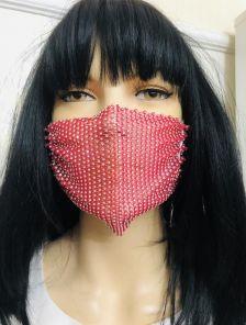 Красная маска со стразами
